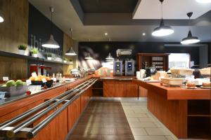 A restaurant or other place to eat at Ibis Moscow Paveletskaya