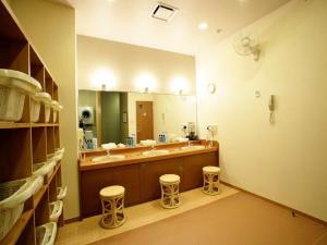 A bathroom at Hotel Route-Inn Hamanako