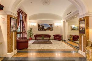 Hall ou réception de l'établissement Hotel Contilia