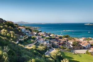 A bird's-eye view of Villa del Golfo Lifestyle Resort