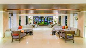 Lounge oder Bar in der Unterkunft Impiana Resort Patong, Phuket - SHA Plus