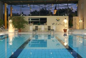 The swimming pool at or near Parkhotel Weiskirchen