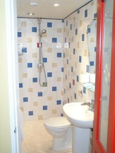A bathroom at Addisons