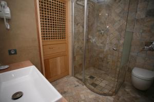 Salle de bains dans l'établissement Hôtel Campo Dell'oro