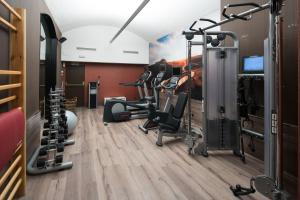 The fitness center and/or fitness facilities at Catalonia Plaza Catalunya