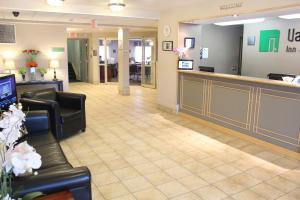 The lobby or reception area at Vantage Inn & Suites