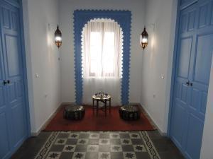 A seating area at Hotel La Fonda del Califa