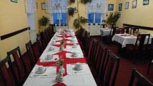 Restaurace v ubytování Hotel CB Royal