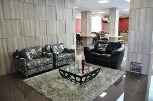 A seating area at Hotel Bela Vista Votorantim