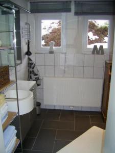 Ein Badezimmer in der Unterkunft Ferienwohnung Veronika Pape