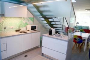 A kitchen or kitchenette at Casa do Cais