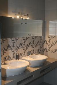 A bathroom at Casa do Cais