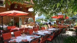 Ein Restaurant oder anderes Speiselokal in der Unterkunft Hotel Gasthaus Schäfle