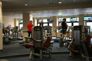 The fitness center and/or fitness facilities at Hotel Favor