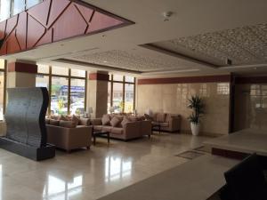 O saguão ou recepção de Asfar Plaza Hotel & Apartments