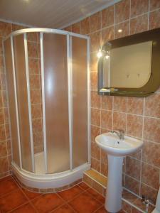 Vonios kambarys apgyvendinimo įstaigoje Dzukija Hotel