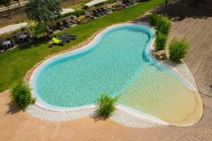 A view of the pool at Hotel Balneario Alhama de Aragón or nearby