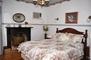 A room at Cuddledoon Cottages Rutherglen