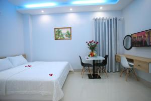 A room at An Phu Gia Apartment & Hotel