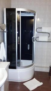 Ванная комната в Парк-Oтель Уют