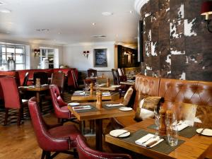 A restaurant or other place to eat at Macdonald Inchyra Hotel & Spa