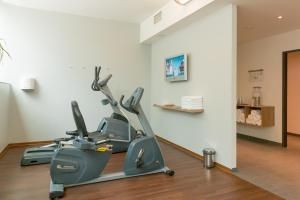 The fitness center and/or fitness facilities at Seminaris CampusHotel Berlin