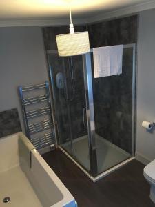 A bathroom at Seafield Arms Hotel