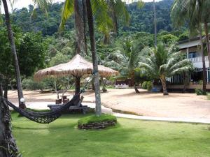 A garden outside Koh Chang Bailan Beach Resort