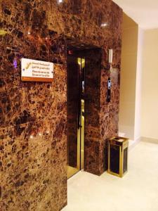 Um banheiro em Pestana Hotel & Suites 1
