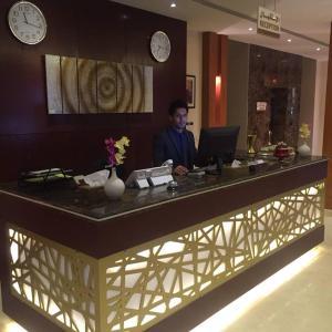 O saguão ou recepção de Pestana Hotel & Suites 1
