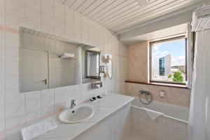 A bathroom at Best Western Vilnius