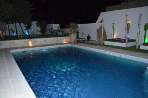 المسبح في Dar Salama أو بالجوار