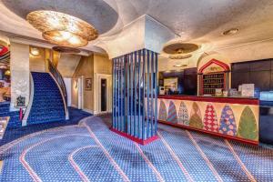 The lobby or reception area at Hotel Auriga