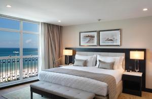 Cama ou camas em um quarto em Miramar Hotel by Windsor