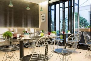 Een restaurant of ander eetgelegenheid bij Cler Hotel