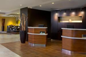 The lobby or reception area at Courtyard Orlando International Drive/Convention Center