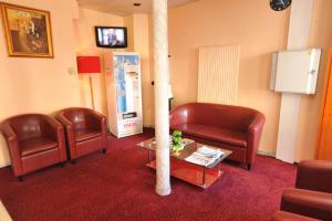 A seating area at Altona