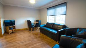 A seating area at Morris Gardens Apartments