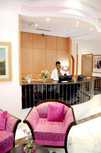 The lobby or reception area at Hotel la princesse