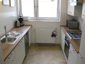A kitchen or kitchenette at Ferienwohnungen Familie Böckmann