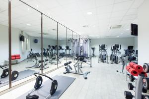 Das Fitnesscenter und/oder die Fitnesseinrichtungen in der Unterkunft Crowne Plaza Berlin City Centre, an IHG Hotel