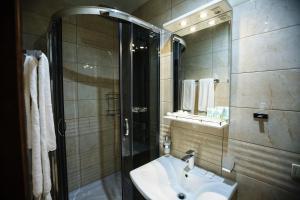 A bathroom at Hotel 39