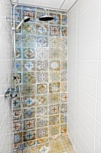 A bathroom at Sofo Hotel