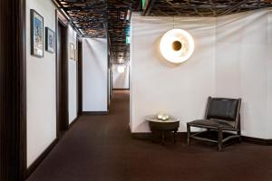 A seating area at Sofo Hotel