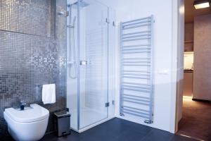 A bathroom at Myo Hotel Mysterius