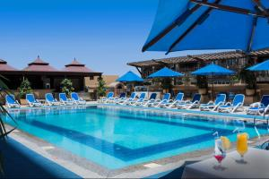 The swimming pool at or close to Safir Hotel Cairo