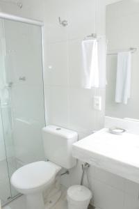 A bathroom at Sul América Palace Hotel