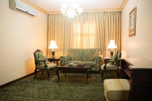 Uma área de estar em Massara House Al Khobar