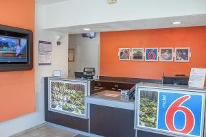 The lobby or reception area at Motel 6-Ukiah, CA