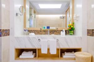 A bathroom at Royale Chulan Penang